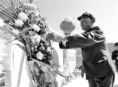 甘肃卧龙岗园林公墓举行公祭英烈活动(图)