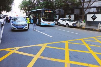 兰州 :下月起黄色网状线内停车将受罚