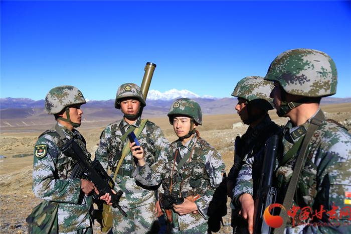 坚定维护核心 忠诚履行使命  西部战区陆军部队学习热议十九大报告(组图)
