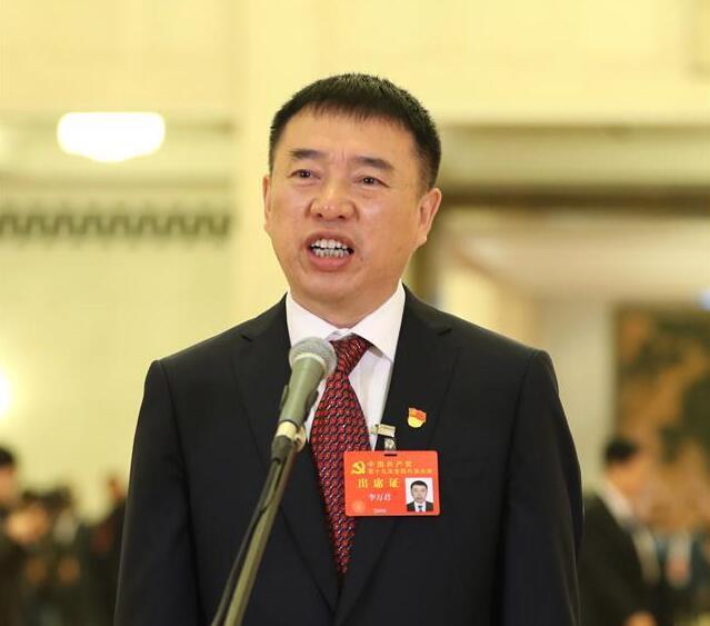 """李万君代表:希望越来越多国家享受到""""复兴号""""带来的幸福"""