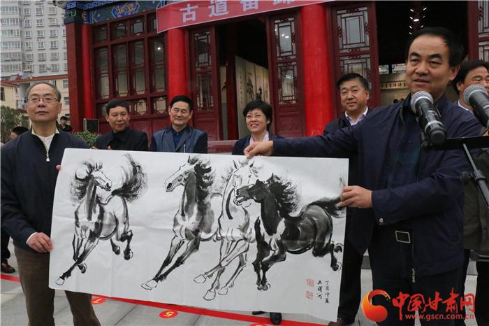 青泥古道说骏马 陇南徽县举办吴曙国画展(组图)