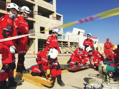 专业救援一比高下 首届全国社会力量救援技能竞赛在兰举行(图)