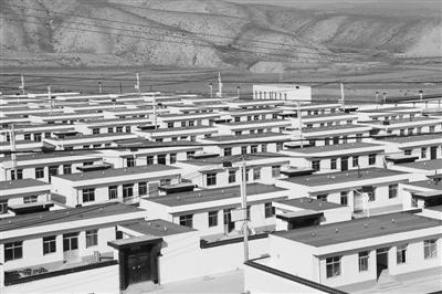 易地扶贫搬迁 兰州市永登县通远乡99户村民走出大山住进新房