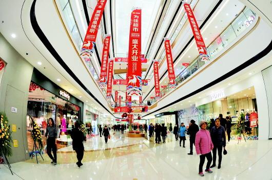 酒泉万达广场开业 吸引众多市民购物游玩(图)