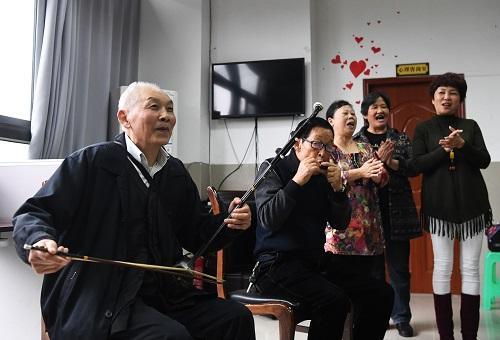 外媒称中企业瞄准中国养老市场:价值约4万亿元