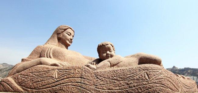 黄河母亲文化研讨会在兰举行 专家学者热议何鄂八十载雕塑人生
