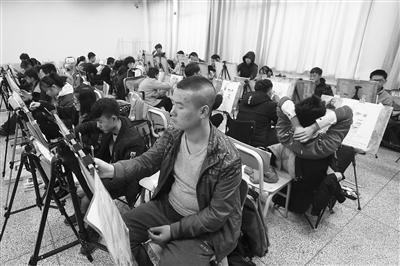 甘肃省艺考昨日启幕 20454人报名应考