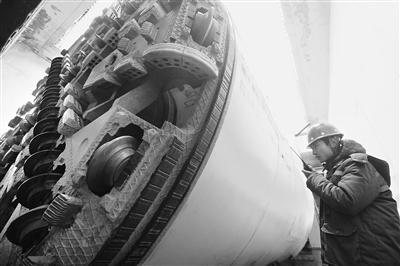 """""""金城18号""""从雁北路站始发 兰州地铁2号线一期进入盾构施工阶段"""