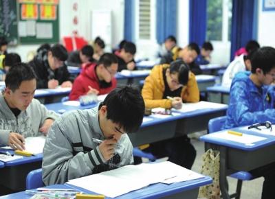 """甘肃省打好教育扶贫""""组合拳""""提高贫困地区考生录取率(图)"""