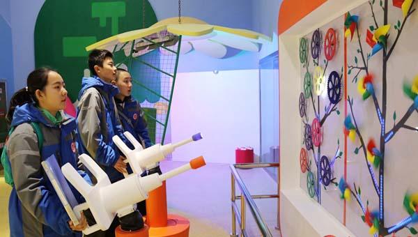 走进甘肃省科技馆 感受科技与智慧的完美融合(组图)