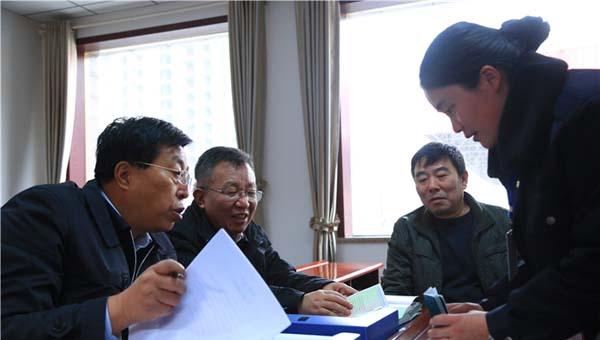 甘肃省质监局启动双节期间特种设备安全大检查(组图)