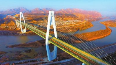 甘肃省西固黄河大桥完成土建施工任务(图)