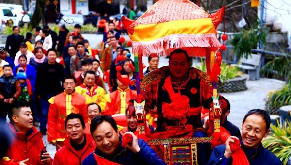 小陇画报|陇南康县女娶男嫁  成为中国婚嫁习俗的一朵奇葩(49期)