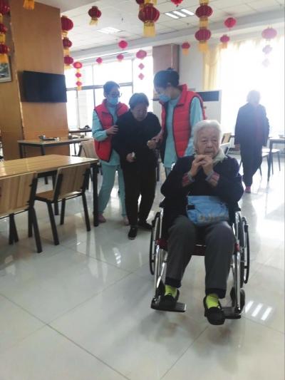 """【聚焦兰州两会】政协委员建议:借力互联网建立""""喘息式""""养老服务"""