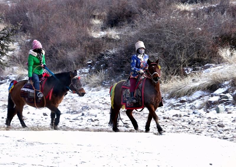 甘肃肃南:冬季乡村旅游火(组图)