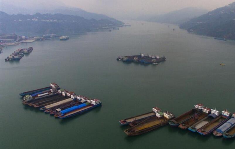 三峡工程大坝船闸通航效率再创历史新高