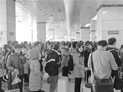 兰州车站迎来学生寒假客流高峰 分别为1月10日-1月15日、1月20日-25日