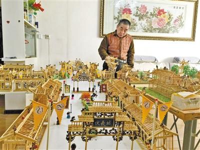 """天水六旬老人耗时3年 用竹子编了个""""伏羲城"""""""