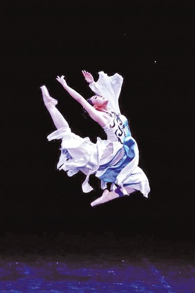中国国际芭蕾演出季落幕 芭蕾版《大梦敦煌》尽现东方之美