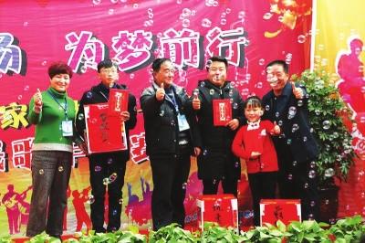 兰州榆中县农民唱响幸福生活(图)