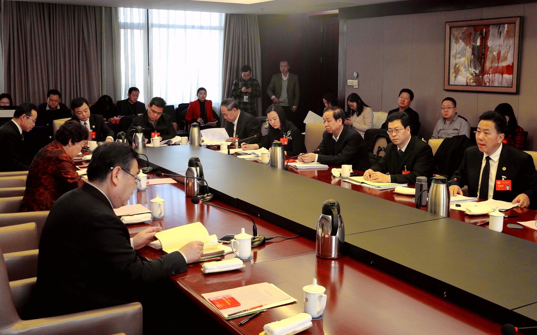 政协甘肃省第十一届委员会第三次会议小组讨论会