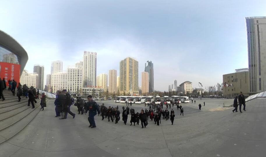 【全景视频】VR带你看两会·甘肃省十三届人大一次会议闭幕 人大代表入场