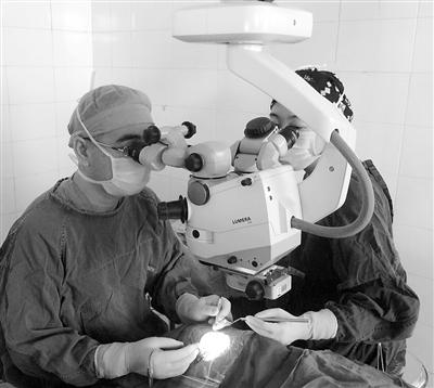 兰大二院眼底外科主任陶明:务工时,别忘戴好护目镜 过年时,请远离烟花爆竹