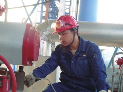 """兰州石化公司""""青年岗位能手""""蒋浩伟:要做就做最好的产业工"""