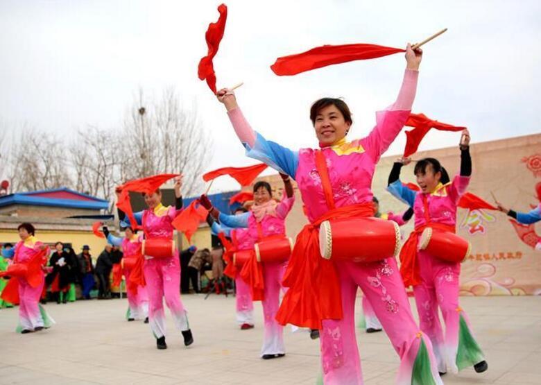 民风展演迎新春