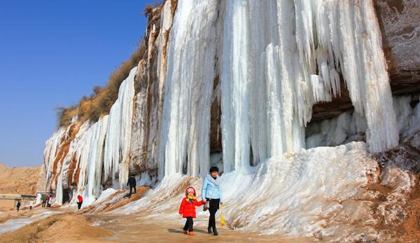 白银靖远:冰挂奇观精美绝伦