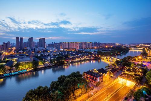 去年杭州游客量超1.6亿人次 周边游市场发力