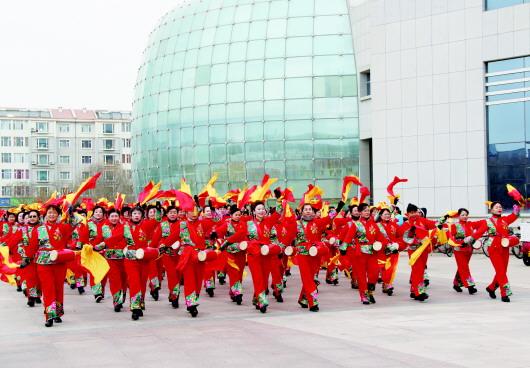 酒泉玉门油田分公司新春社火火热彩排(图)
