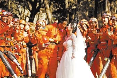新春走基层丨驻防点上,他们拍下最美婚纱照