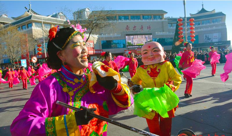 酒泉市肃州区:金鸡献瑞唱丰年 锣鼓喧天闹元宵(组图)