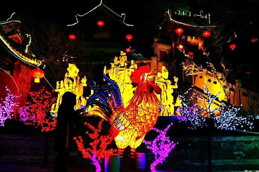 元宵佳节:天水秦安凤山灯会游人如织(图)
