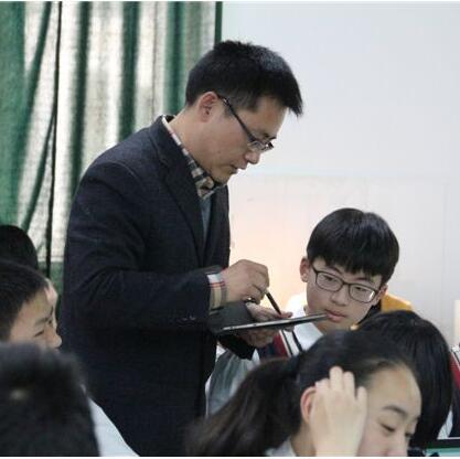 甘肃省将重新核定中小学教职工编制