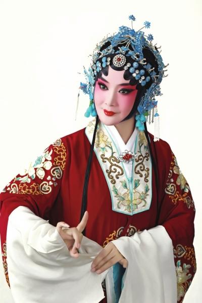 舞台变讲台艺术传承不变 ——访甘肃京剧艺术家马少敏(图)