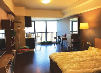 统一装修配备智能家电管家每月上门服务 新型单身公寓在兰兴起