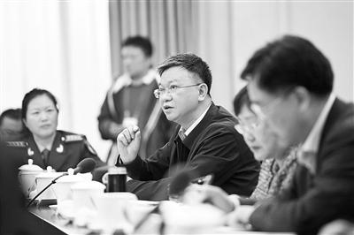 【关注两会】住甘全国政协委员分组审议常委会工作报告和提案工作情况报告