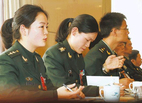 论增强军人荣誉感,代表委员怎么看