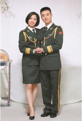 """""""猎鹰""""北飞,""""雪豹""""南征 ——武警部队调整改革中一对特战夫妻的选择与坚守"""