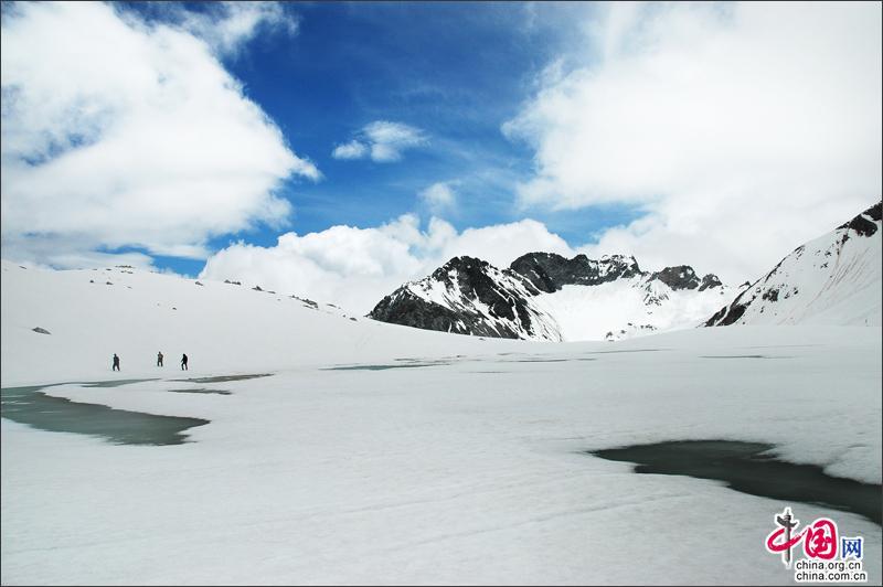 五一假日去达古冰山正合适,人少景美任性玩