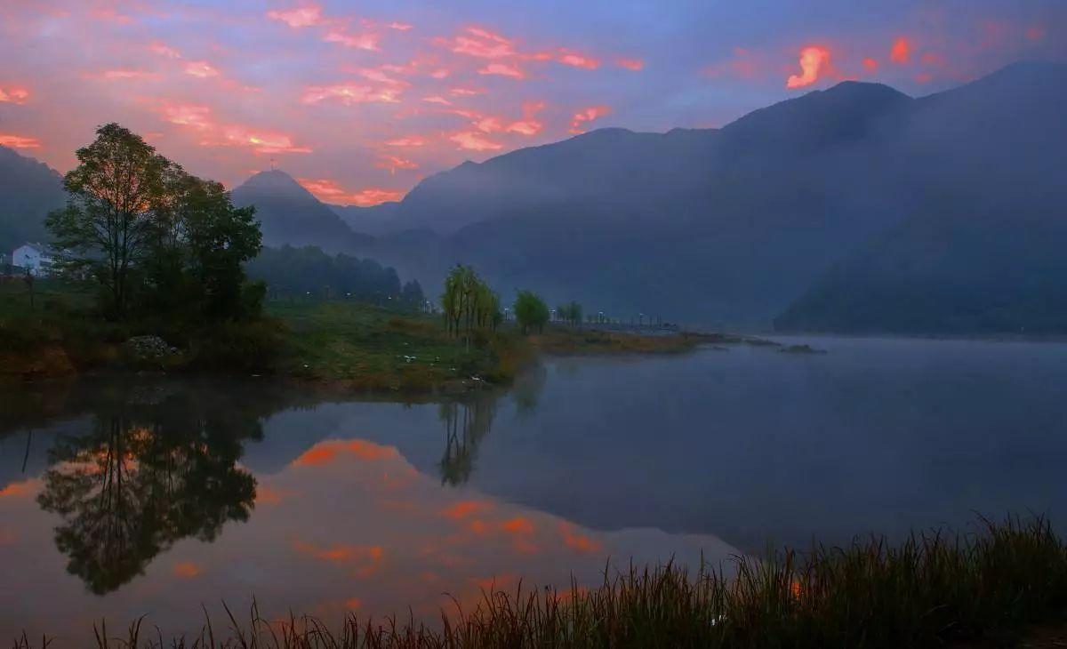 湖北神农架景区限制游客数量 游览需提前预约