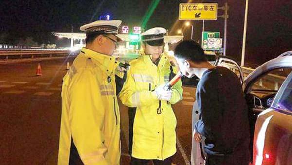"""严查酒驾 我们一直在路上——甘肃省""""七个一律""""严厉打击酒驾醉驾显成效"""