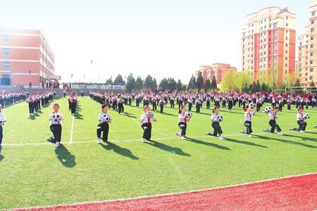 白银市平川区中小学举行足球联赛(图)