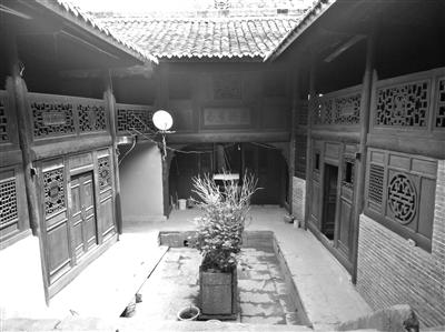 西部地理丨康县朱家大院:古老民居惊艳了二百年时光
