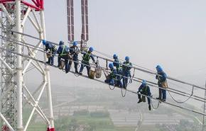 特高压工程顺利跨越长江天堑