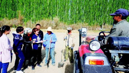 专项检查组检查酒泉阿克塞县惠农专项资金发放情况(图)