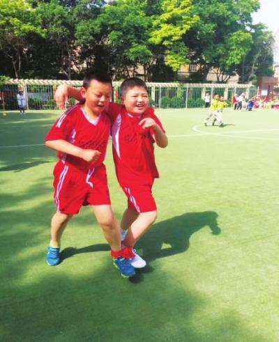 """兰州市南河小学举办了趣味运动会庆""""六一"""""""
