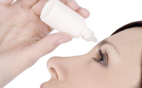 眼睛干涩就想来一滴?缓解视疲劳的眼药水不宜频繁用